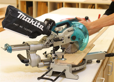 New Makita 18v Lxt Cordless Sliding Compound Miter Saw