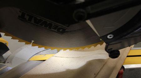 Dewalt-DWS780-Miter-Saw-XPS-Lighting-System-Setup