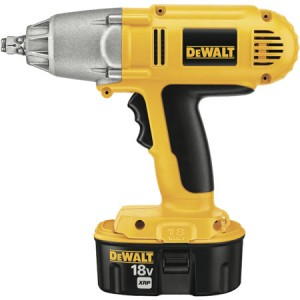 Dewalt's Adds New Cordless Impact Wrench to 18V NiCad Lineup