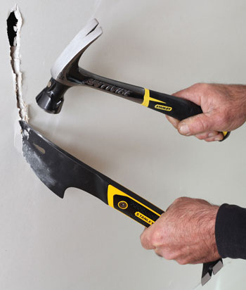 Stanley FuBar Demo Bar 55-134 Cutting Through Drywall