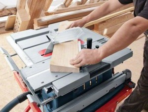 Bosch (UK) GTS 10 XC Professional Table Saw with Built-in Crosscut Sled