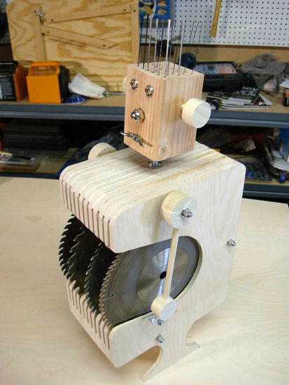 A Cute And Compact Robot Bit And Blade Holder