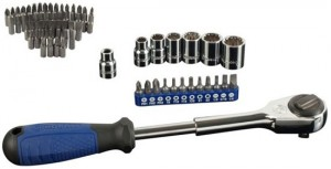 'Kobalt Double Drive Ratchet Set with Free Bonus Bit Kit' from the web at 'http://toolguyd.com/blog/wp-content/uploads/2012/10/Kobalt-Double-Drive-Ratchet-Set-Bonus-Bit-Kit-300x153.jpg'