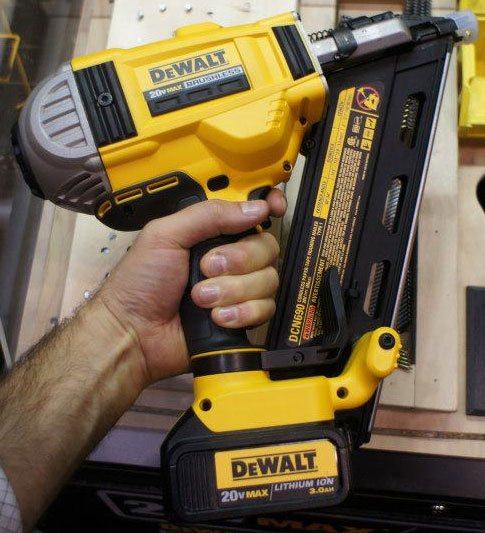 dewalt 20v brushless framing nailer dcn690 size