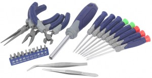 'Weekend Deal: Kobalt 24pc Precision Tool Set for $10' from the web at 'http://toolguyd.com/blog/wp-content/uploads/2012/11/Kobalt-Precision-Tool-Set-300x154.jpg'