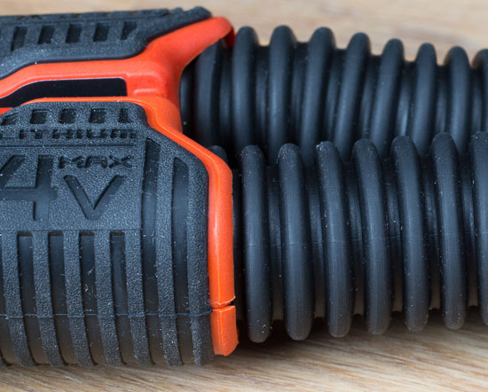 Black and Decker SnakeLight Grip and Hose Textures