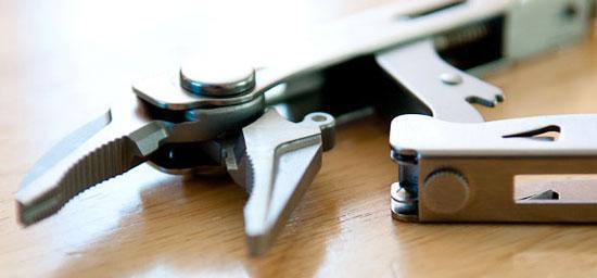 Leatherman Crunch Multi-Tool Jaws and Locking Mechanism