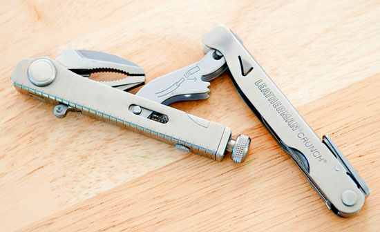 Leatherman Crunch Multi-Tool Opening Step 1