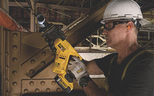 Dewalt DCS387 Reciprocating Saw Small Size