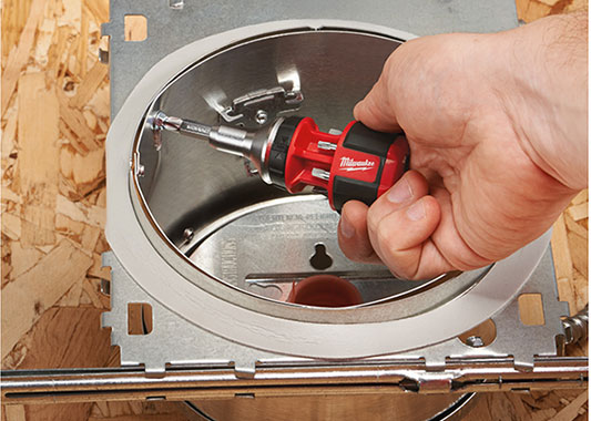 Milwaukee Stubby Screwdriver Tight Spaces