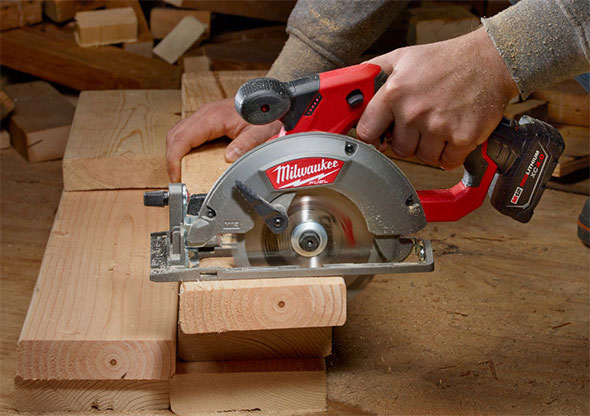 New milwaukee m12 fuel circular saw yes milwaukee m12 fuel circular saw cutting 2x boards greentooth Image collections