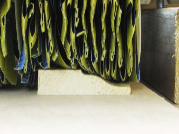 moulding sander close up comforming to profile