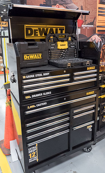Dewalt 2015 40-inch Ball Bearing Tool Storage
