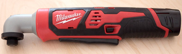 http://toolguyd.com/blog/wp-content/uploads/2015/06/Milwaukee-2467-M12-Right-Angle-Impact-Driver.jpg