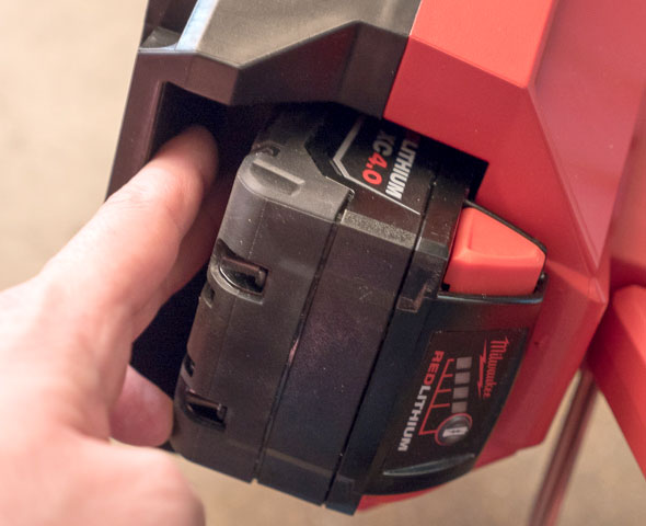 Milwaukee M18 LED Tripod Worklight Battery Space