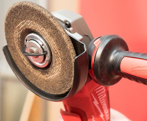 Milwaukee M18 Fuel Braking Grinder FIXTEC Nut