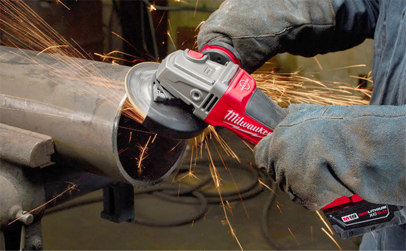 Milwaukee M18 Fuel Braking Grinder Pipe Smoothing