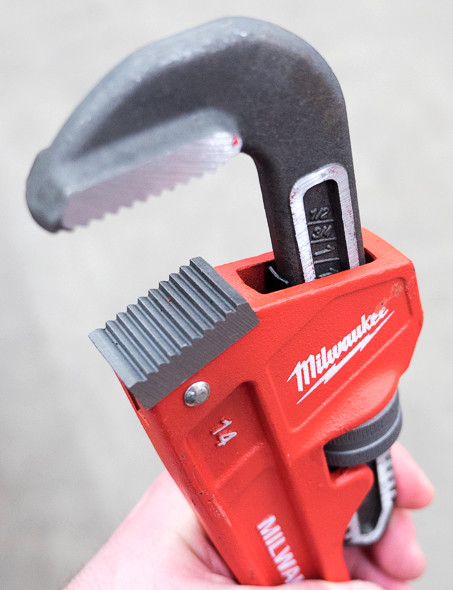 milwaukee pipe wrenches plumbing tools