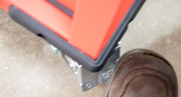 Milwaukee Ball Bearing Tool Storage Cabinet Locking Caster Stepping Off