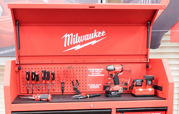 Milwaukee Ball Bearing Tool Storage Chest Top Compartment