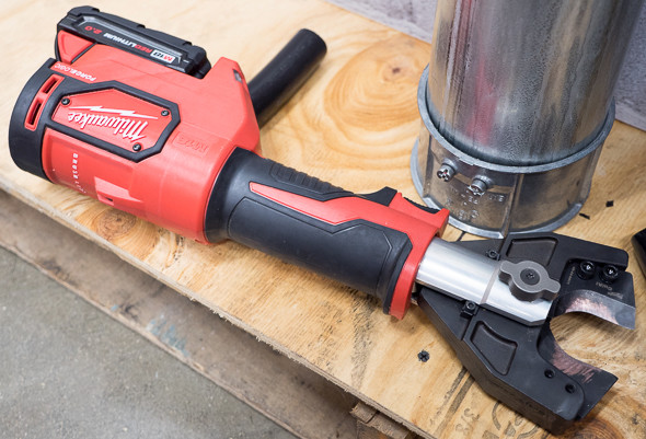 Milwaukee M18 ForceLogic Cutter Side