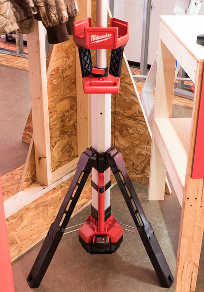 Milwaukee M18 LED Tripod Worklight Deployed Base