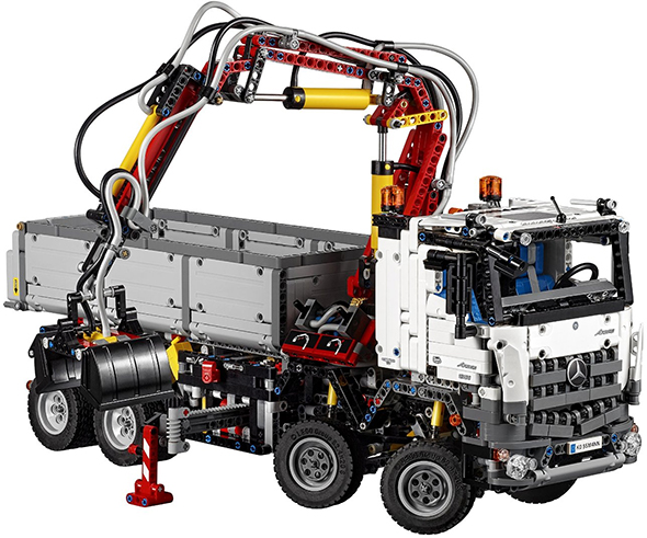 You Know You Want it: Lego Technic Mercedes-Benz Arocs Truck ...