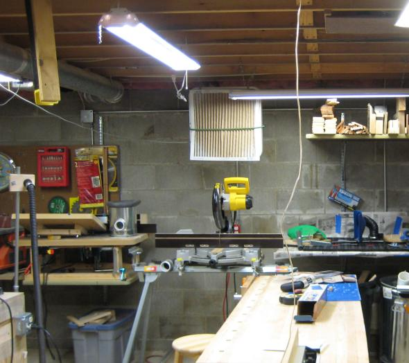 Review: 4-foot LED Shop Light From Rockler