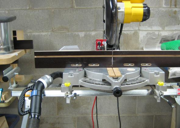 Using Dust Right Nozzle at my miter saw