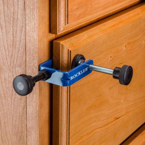 Rockler drawer front clamp with the drawer closed