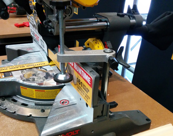 Dewalt Flexvolt 120V Clamp DHS790T2 Compound Miter Saw