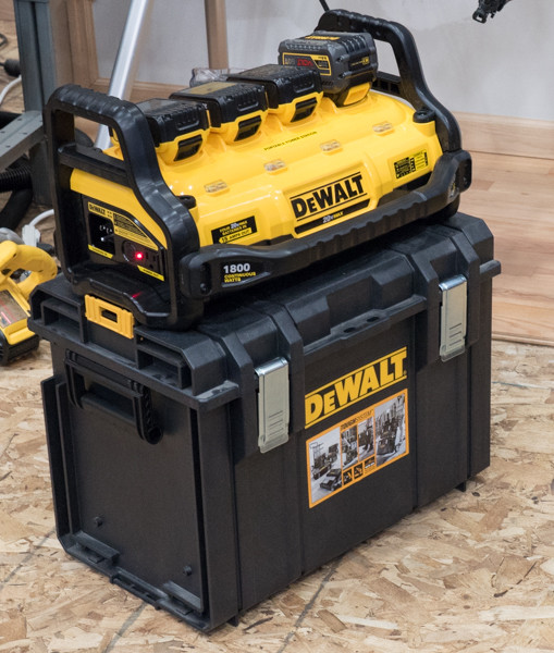 Dewalt PPS Portable Power Station