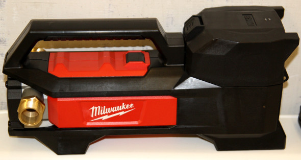 Milwaukee M18 Cordless Fluid Transfer Pump
