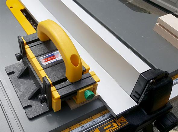 grr-ripper-push-block-with-dewalt-table-saw