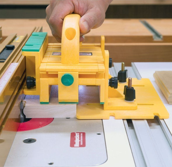 micro-jig-grr-ripper-gr-200-at-the-router-table