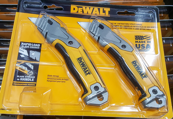 home-depot-black-friday-2016-tool-deals-dewalt-retractable-utility-knife-2-pack-closeup