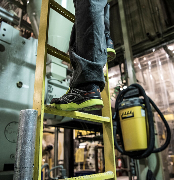 Wolverine Jetstream Safety Shoe Climbing Ladder Action Photo