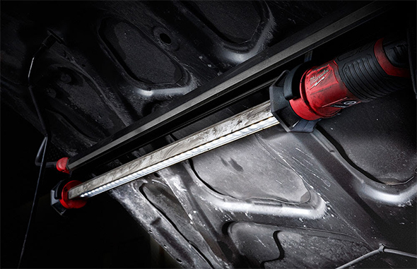 Milwaukee M12 LED Underhood Worklight 2125-21XC in Use and Dirty with Grease
