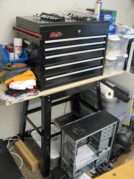 ToolGuyd Workspace Storage with Ball Bearing Chest on a Tool Stand