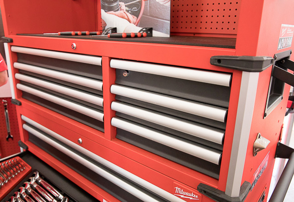 Milwaukee 46-Inch Premium Tool Storage Combo Top Chest Drawers