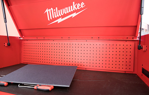 Milwaukee 46-Inch Premium Tool Storage Combo Top Compartment and Pegboard Back