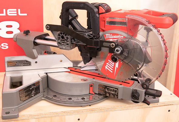 New milwaukee m18 fuel 7 14 dual bevel sliding compound miter saw milwaukee m18 fuel compact sliding miter saw in closed position greentooth Image collections