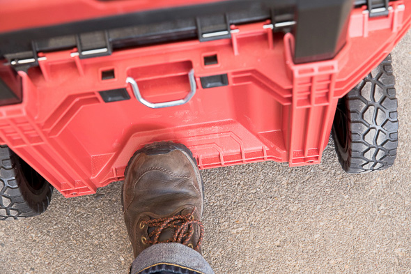 Milwaukee Packout Tool Storage Roller Tool Cart Easy Tilt Step