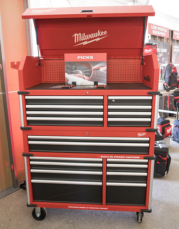 Milwaukee Premium 46-Inch Tool Storage