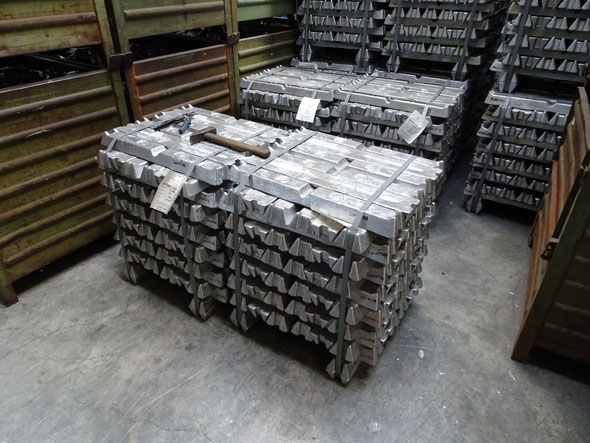 aluminum ingots for die casting parts at Metabo factory