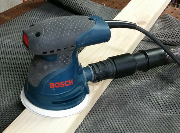 Bosch ROS20VSC in use