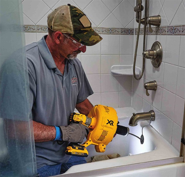 Dewalt Cordless Drain Snake DCD200 in Action