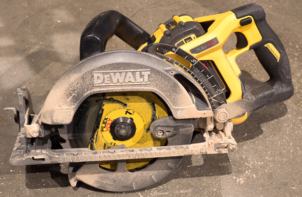 Dewalt FlexVolt Rear Handle Saw