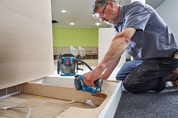 Bosch 12V Brushless Planer in Action