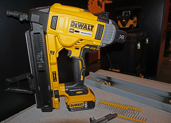 Dewalt 20V max brushless concrete nailer